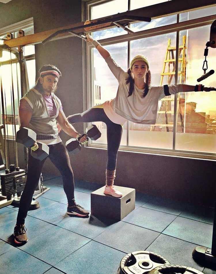 Alia Bhatt giving all the fitness freak some major gym goals