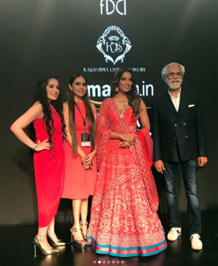 Bipasha Basu with Karishma and Deepa Sondhi at Amazon India Fashion Week 2018