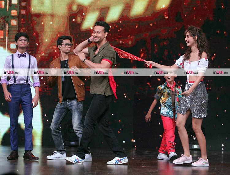 Tiger Shroff, Disha Patani performing on DID Little Masters 4 stage
