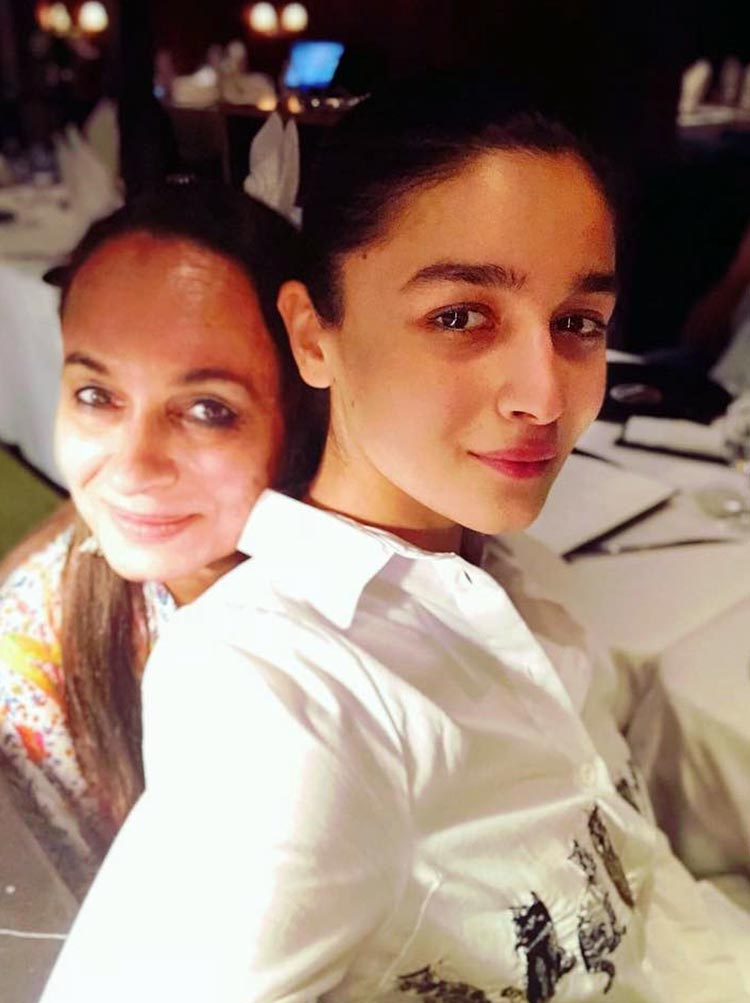 Alia Bhatt is the cutest daughter goal