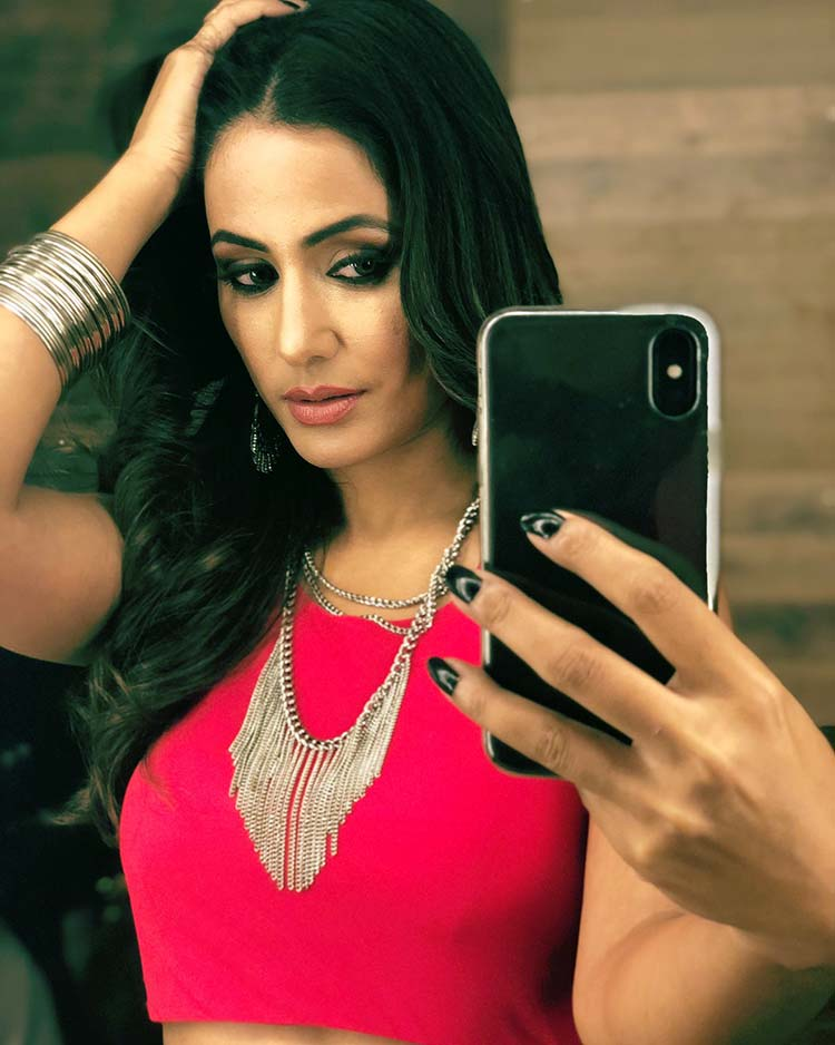 Hina Khan is slaying in this hot and sexy image