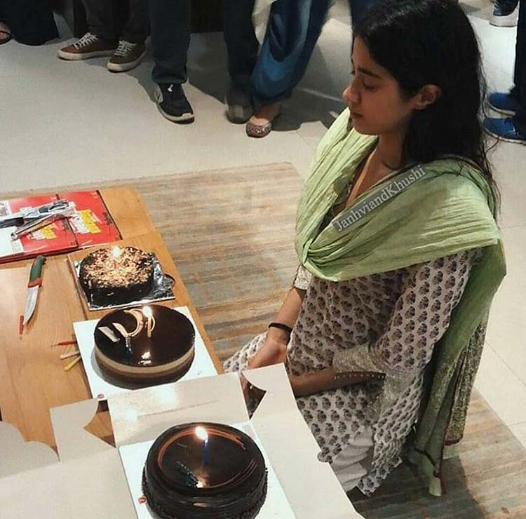 Jahnvi Kapoor making a wish on her 21st birthday