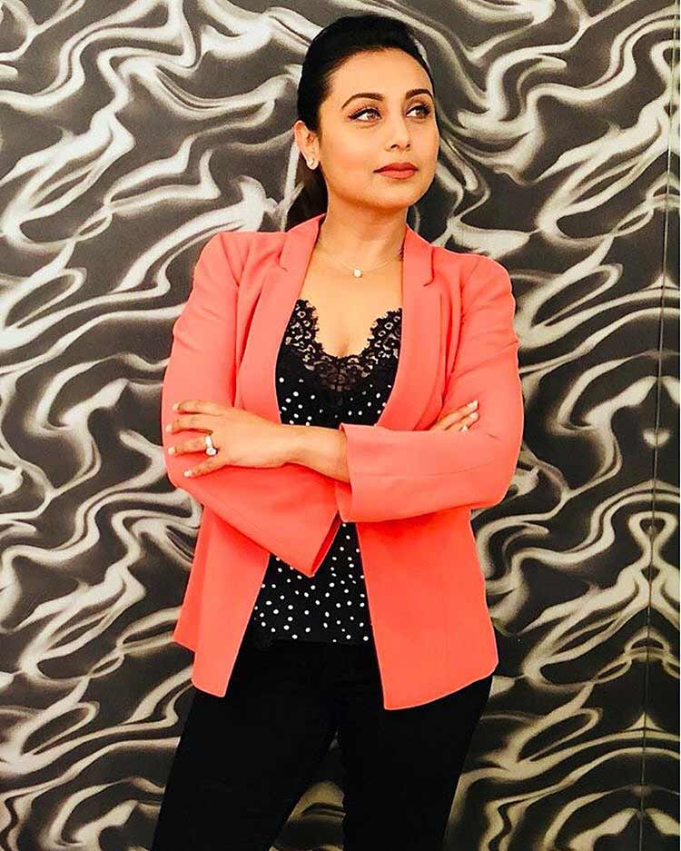 New Hindi Movei 2018 2019 Bolliwood: Rani Mukerjis Casual Look For Hichki Promotions