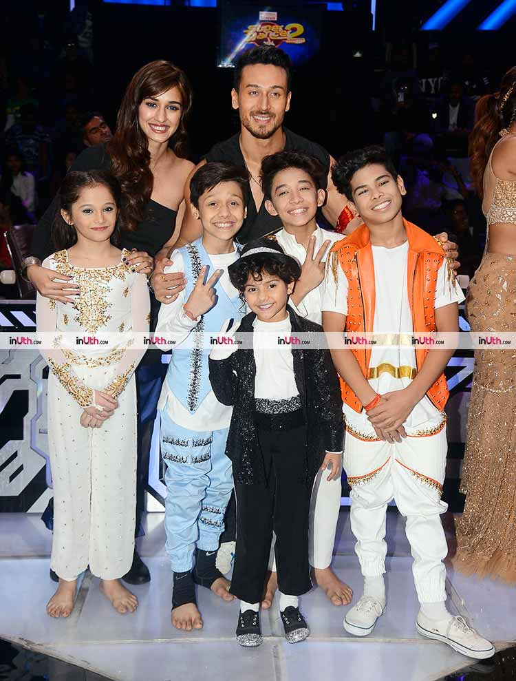 Tiger Shroff and Disha Patani with Super Dancer 2 contestants