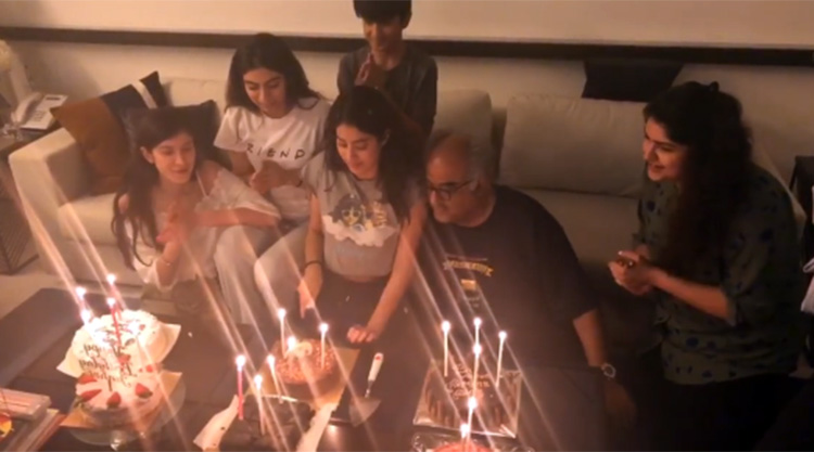 Jahnvi Kapoor celebrating her birthday with the family