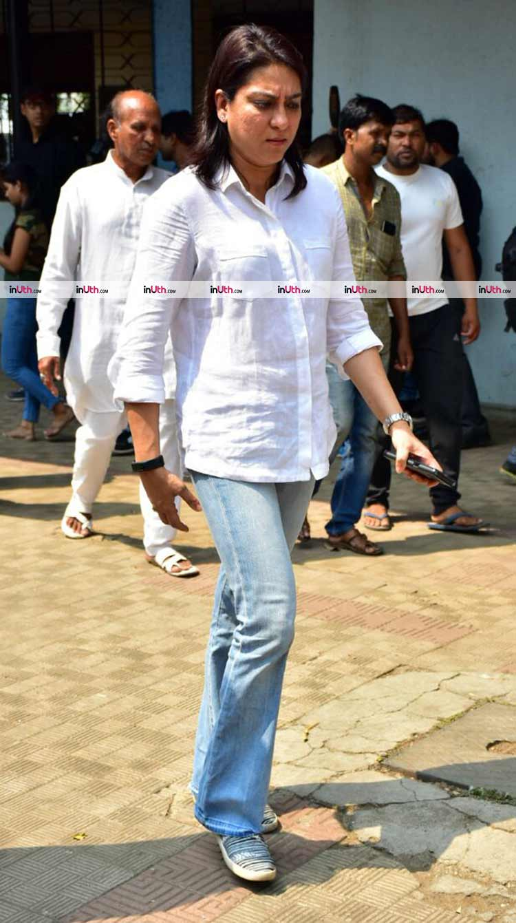Priya Dutt at at veteran actress Shammi's funeral