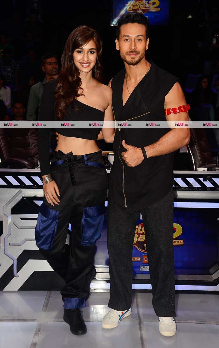 Tiger Shroff and Disha Patani promoting Baaghi 2 on Super Dancer 2