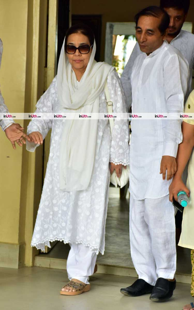 Farida Jalal at veteran actress Shammi's funeral