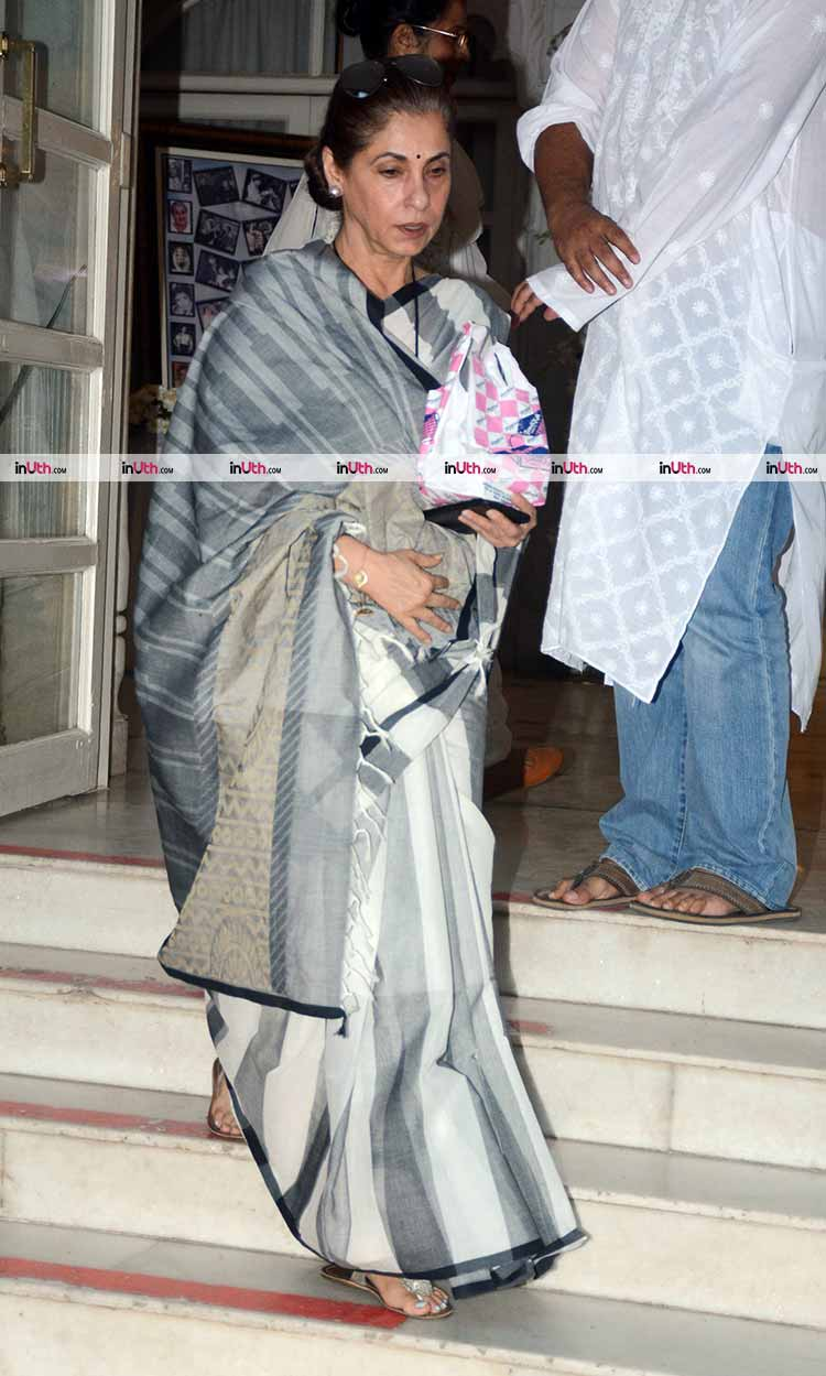 Dimple Kapadia at the prayer meet of veteran actress Shammi