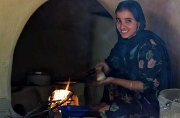 14 Stunning photos capturing the beauty of the women of Kashmir