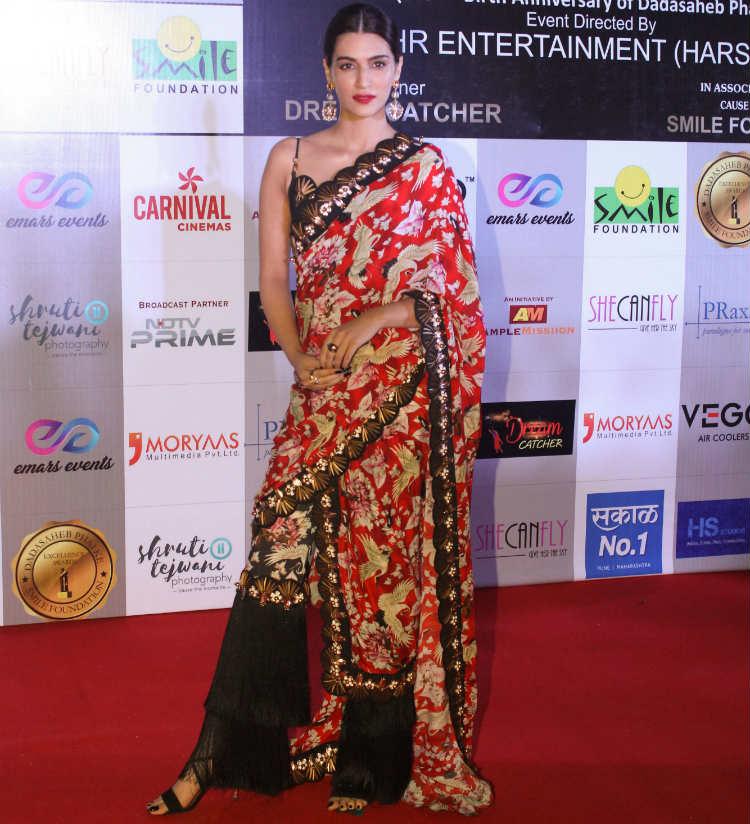 Kriti Sanon at Dada Saheb Phalke Excellence Awards 2018