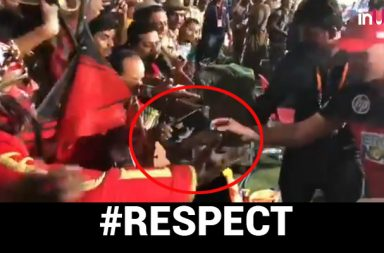 IPL 2018: AB de Villiers Breaks Security Cover To Give His Award To A Fan – WATCH