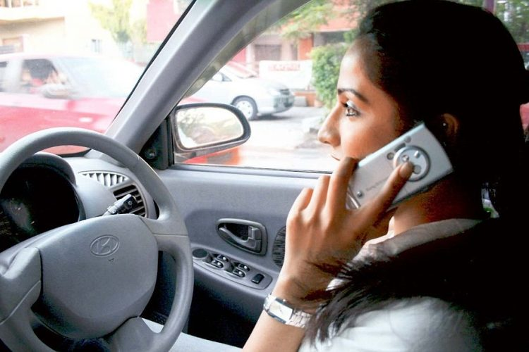 One Out Of Every Four Parents Use Mobile Phone While Driving With Kids In India:Study