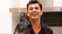 Chef Vikas Khanna Breaks Fast With Muslim Family That Saved Him During Mumbai Riots