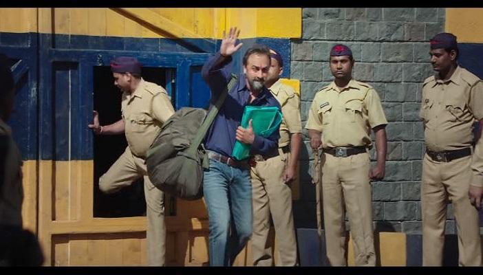 Sanju movie, Sanju movie review, Raju Hirani movies, Ranbir Kapoor movies, Sanjay Dutt, Sanjay Dutt 93 bomb blasts, Sanjay Dutt AK 56 rifles