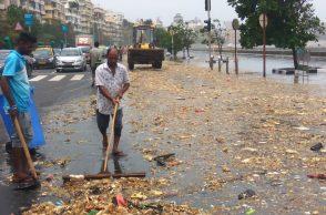 mumbai marine drive garbage
