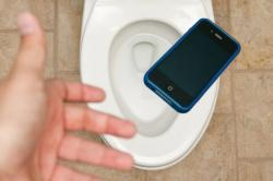 Guess What's Three Times Dirtier Than A Toilet Seat? Your Smartphone Screen