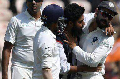 Virat Kohli fan, Virat Kohli kissed by fan, Fan takes selfie with Kohli, Hyderabad Test, India vs West Indies 2nd Test, West Indies vs India 2018, West Indies tour of India, Rajkot Test, Fan breaches security, Virat Kohli crazy fans