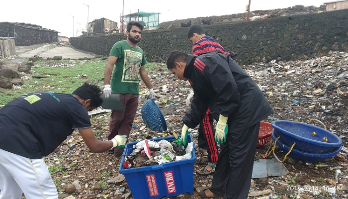 Group Creates Record By Clearing 200 Tonnes Of Garbage In 24 Hours
