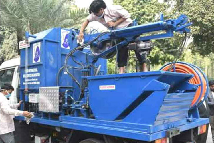 No More Manual Scavenging If This Machine Becomes The Norm