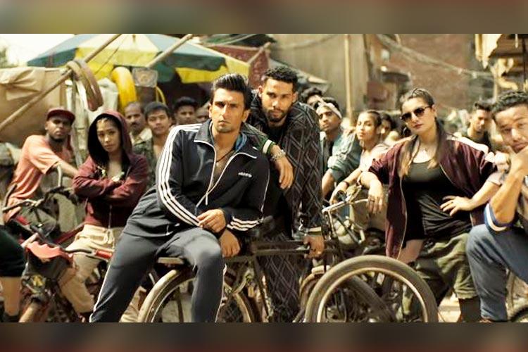 Gully Boy, Gully Boy trailer, Gully Boy release, Gully Boy music, Mere Gully Mein, Divine, Naezy, Zoya Akhtar, Ranveer Singh