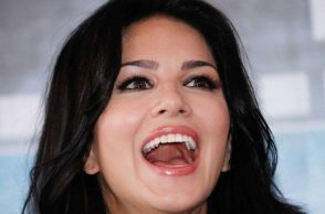 sunny-leone-laughing