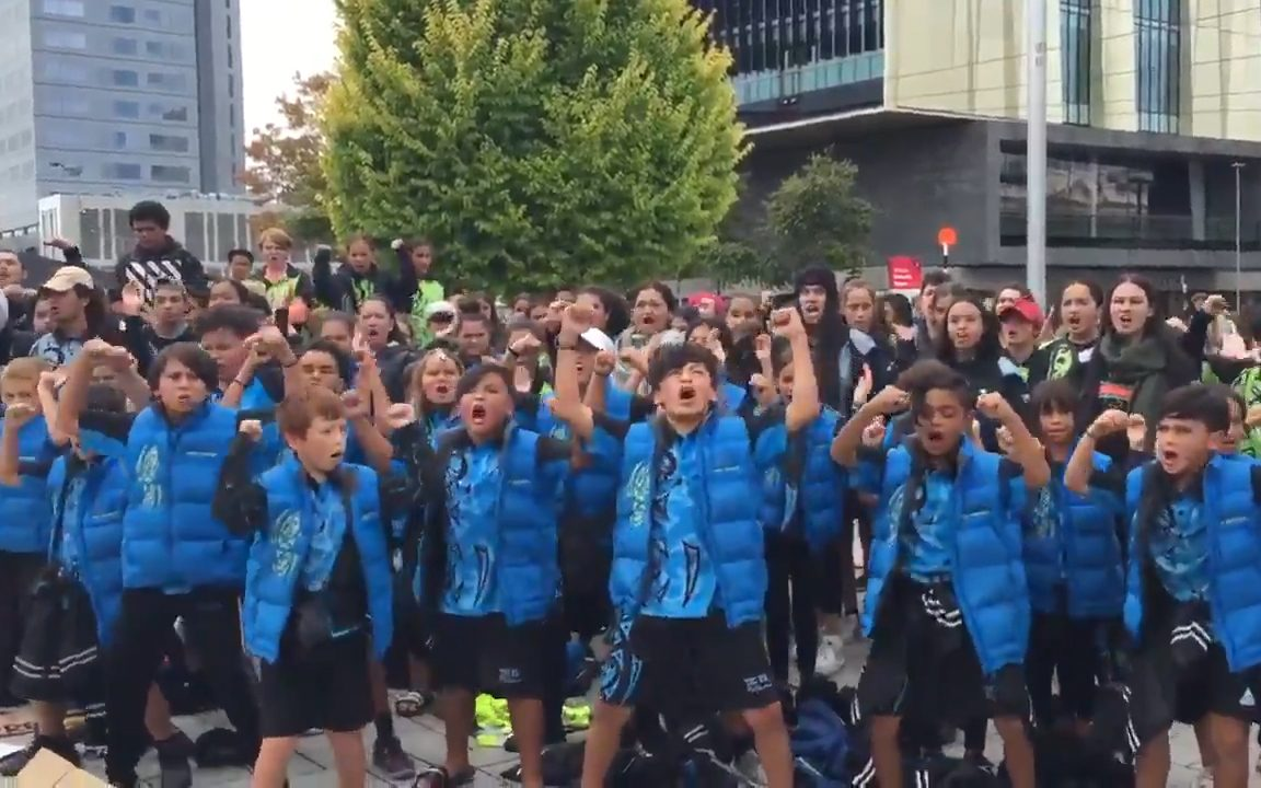 Mourners In New Zealand Pay Tribute To Christchurch Victims By Performing Haka
