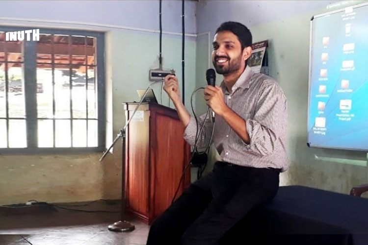 Kannur's Collector Is Rooting Out Fake News By Teaching Kids How To Spot It