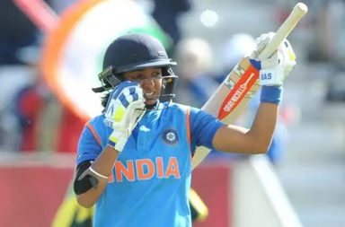 Harmanpreet Kaur, Harmanpreet Kaur umpire, Harmanrpeet Kaur bat, Harmanpreet Kaur Breakfast with Champions, Harmanrpeet Kaur funny, Harmanpreet Kaur six-hitting, Harmanpreet Kaur batting, Umpires checks Harmanpreet's bats, Crazy cricket stories