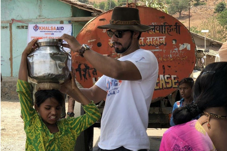 Randeep Hooda, Khalsa Aid Provide Relief To Drought-hit Maharashtra