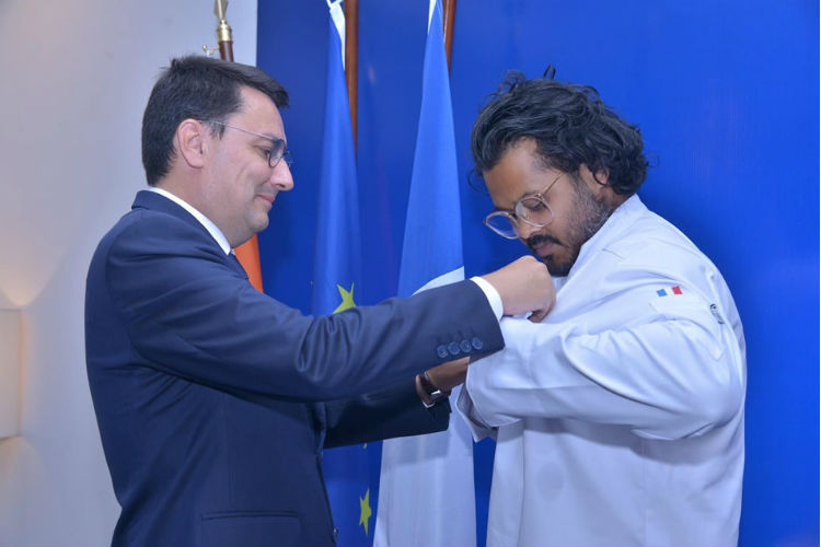 This Is The First Indian Chef To Receive France's 'Order of Merit'