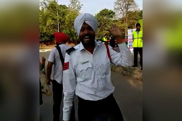This Chandigarh Cop Sings About Traffic Rules So That We Follow Them