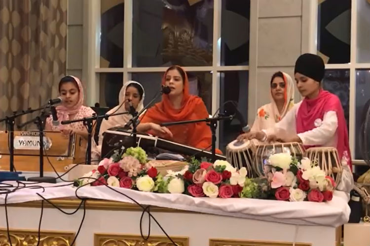 Ending Discrimination, Punjab Allows Women To Sing Inside Golden Temple