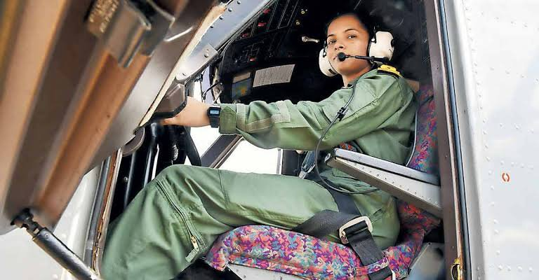 Meet Sub-Lieutenant Shivangi, The First Woman Pilot Of The Indian Navy