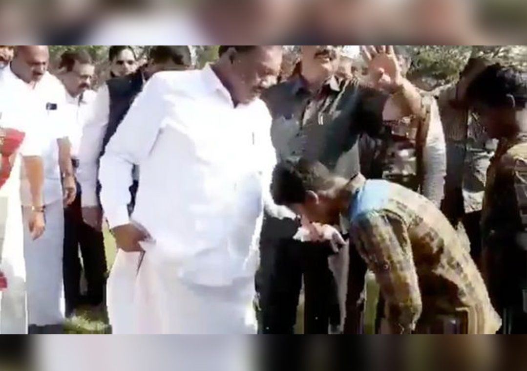 #Shame:TN Minister Asks Tribal Children To Remove His Slippers