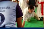 Watch Rahul Gandhi Do  A One-HandPushup
